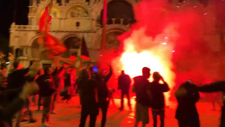 «Венеция» и её фанаты празднуют победу