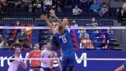 Волейбольный матч сборных России и Финляндии